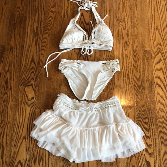 f496d75802 Robin Piccone off white bikini and skirt. M 5a981c4cd39ca2e60583cdb8